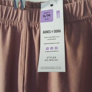 NWT Agnes & Dora Leggings